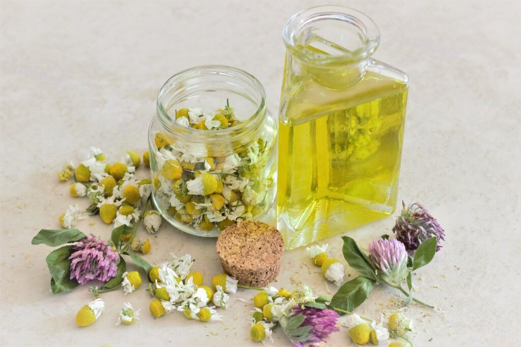 Yoga and essential oils - blending oils